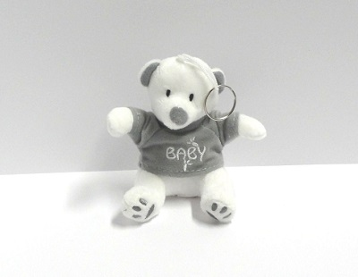 Beertje sleutelhanger wit grijs baby