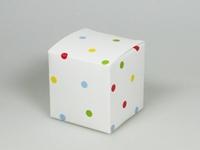Stippen wit kleur kubus